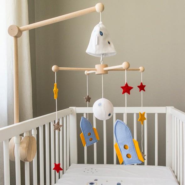 mobile de lit bébé